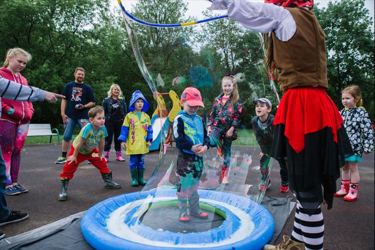 шоу мыльных пузырей на детский день рождения