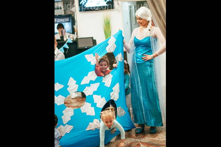 Аниматоры Эльза, Олаф и Анна на день рождения