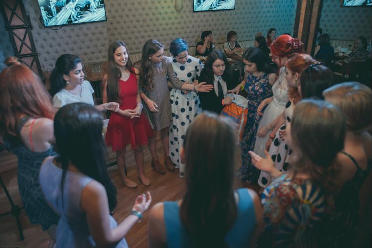 Заказать организацию выпускного в школе в Москве